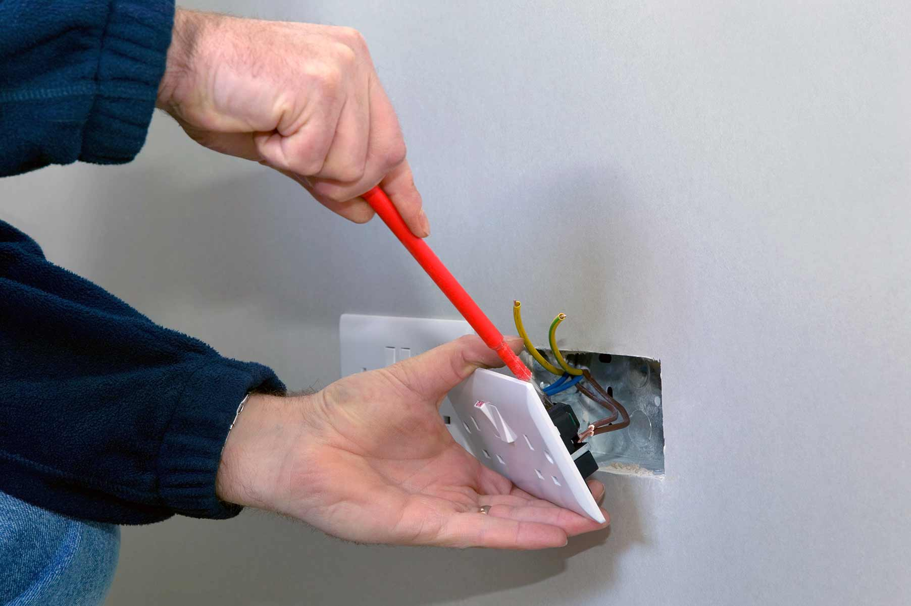 Our electricians can install plug sockets for domestic and commercial proeprties in Muswell Hill and the local area.